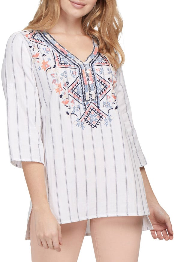 EMBROIDERED FRONT TUNIC BLOUSE