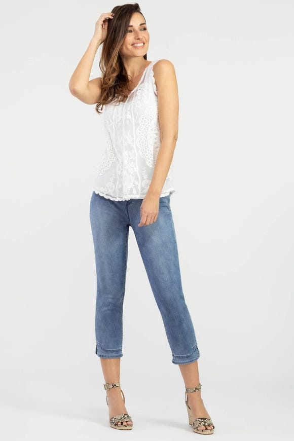 DREAM JEAN CAPRI WITH SIDE SLIT