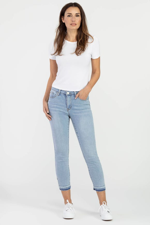 RELEASED HEM CROPPED JEAN