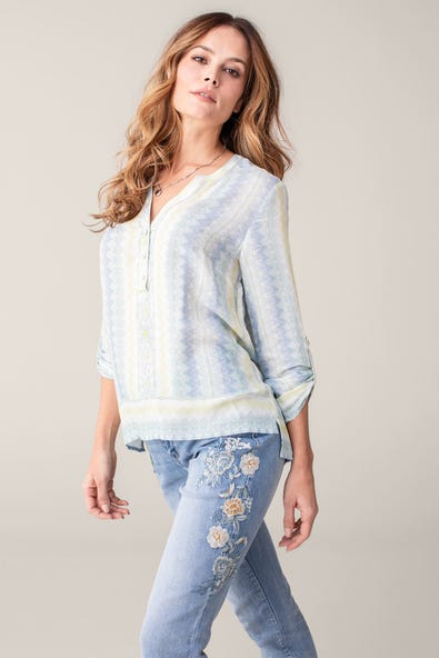 PRINTED CREPE ROLL-UP SLEEVE BLOUSE