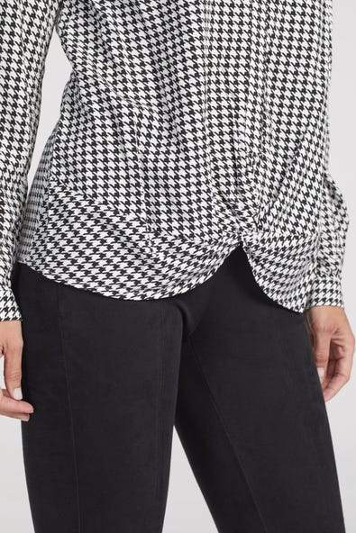 SHIRT WITH FRONT TWIST