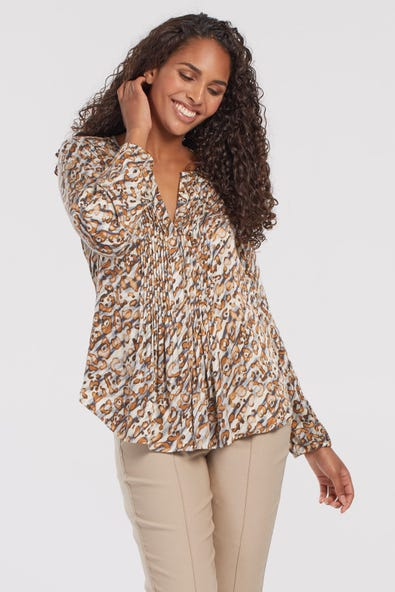 BLOUSE WITH PLEATS