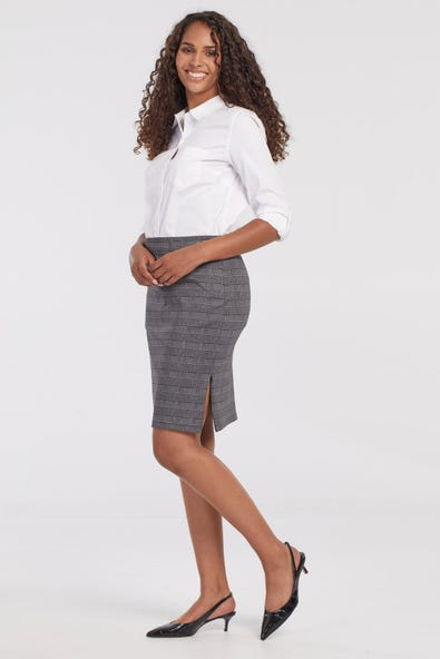 PULL-ON SKIRT WITH SIDE ZIPPER